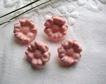 Soft pink flower shape buttons 4 / 19mm