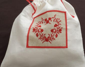 Lingerie bag in linen with a red heart embroidered application