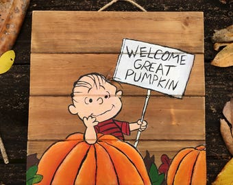 Welcome Great Pumpkin Linus Fall Wood Sign Decor (Charlie Brown Halloween Decor, Fall Home Decor, Hanging Wood Sign, Peanuts Holiday Decor)