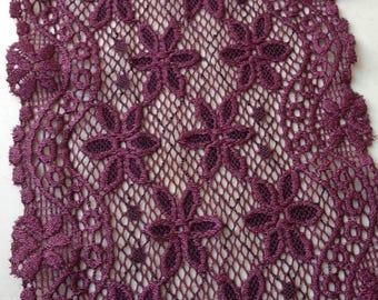 Purple scalloped Lace band