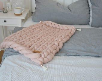 XXL rug wool chunky knit blankie tender pink 40x60cm