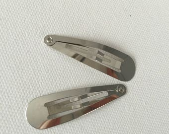 2 silver hair pins