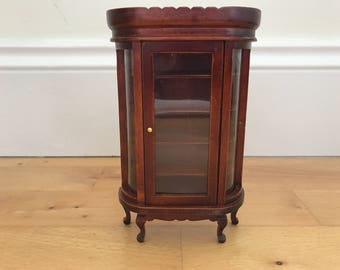 Dolls House Furniture display cabinet - 6inch/4inch