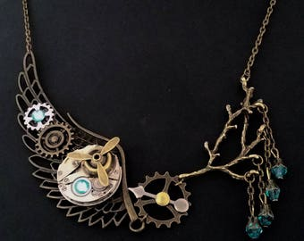 """""""The wing"""" steampunk pendant necklace"""