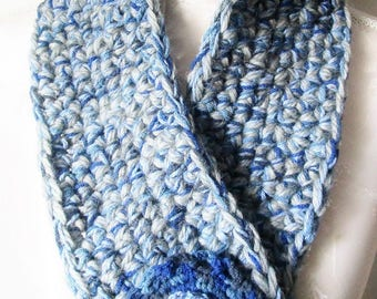 Round neck/snood / scarf blue - jean