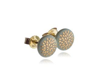 Earrings drop gold on Mint