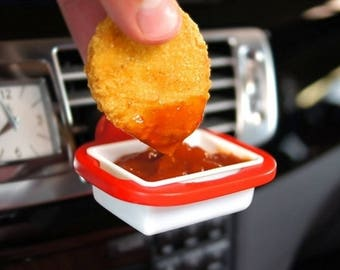 Dip clip for dipping french fries or nuggets while driving - use with ketchup - sauces - drive and snack!