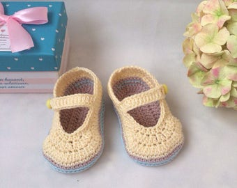Crochet baby booties Baby mary janes Yellow booties Baby booties Valentines baby shoes Snug baby booties Mary jane booties Easter booties