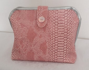 Vintage toilette bag faux leather snake powder pink, 2 clear zippered pockets