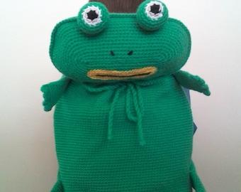 Backpack frog crochet