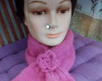 knitted neck and PIN