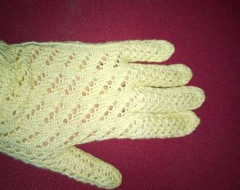 Beige vintage crochet gloves