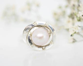 GALAXY ring with freshwater pearl/ pearl ring/ silver ring/ custom ring/ pearl birthstone ring/ June birthstone/ white ring