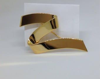 Large Monet ribbon Z gold tone vintage  brooch