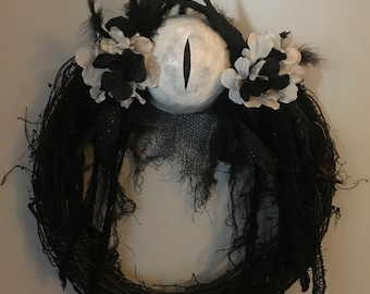 Monochrome Eye Wreath for Halloween