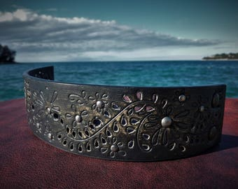 bracelets , combination of artificial and genui leather , stainless rivets , for her