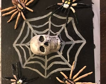 Skull and spider box