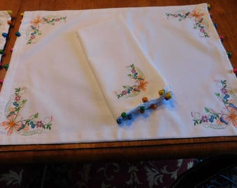 Placemates and napkins
