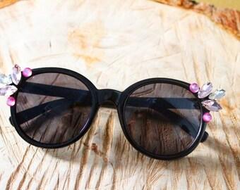 Sunglasses rhinestone pin