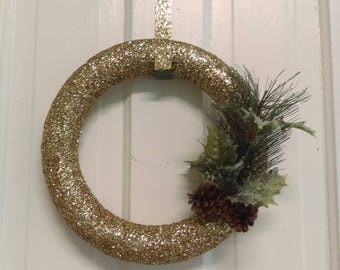 10 in. Round Gold Holiday Wreath