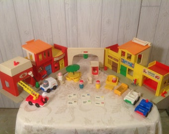 Fisher Price Little People Village