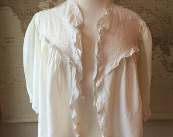 Vintage Bed Jacket// Vintage lingerie // 1960s lingerie