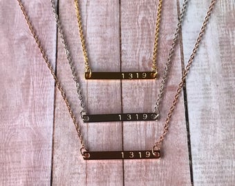 1319 Slim Horizontal Bar Necklace