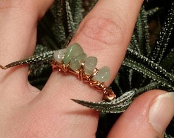 Jade pebble ring
