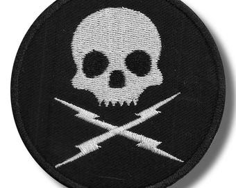 Death proof - embroidered patch 8x8 cm