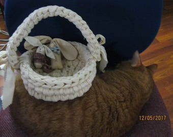 BASKET handwoven with 2 little BUNNIES