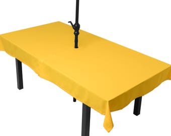 Yellow tablecloth meeting (umbrella)