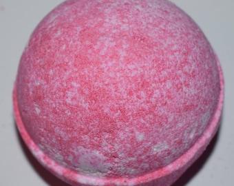 Strawberry Pavlova Scented Bath Bomb uk.