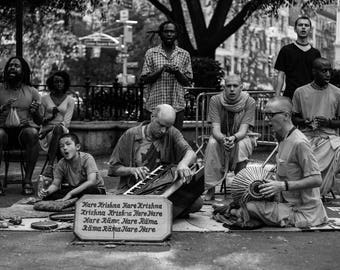 13x19 Photo Print New York Black and White in black Wood/Glass Frame