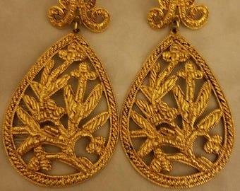 Gold filigree drop Vintage earrings 1990's