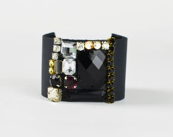 Ceres leather cuff