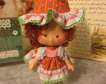Vintage Strawberry Shortcake Cafe' Ole' Party Pleaser Doll-1980's