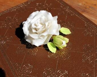 White rose clip
