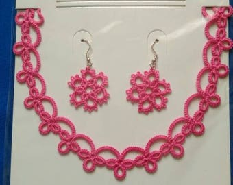 Needle tatted lace necklace and earrings.