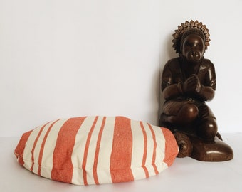 Striped linen floor cushion with buckwheat hulls / Buckwheat zafu / Yoga meditatation pillow / Floor pouf