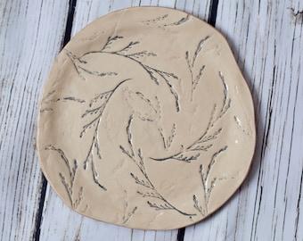 "Ceramic plate ""Gray twigs"""