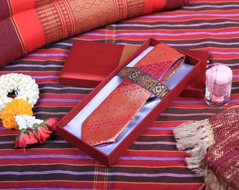 jintana necktie concept Red magic