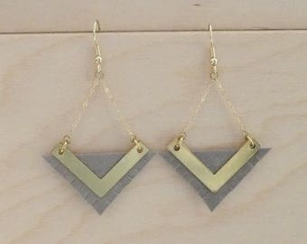KARMA V gray earrings