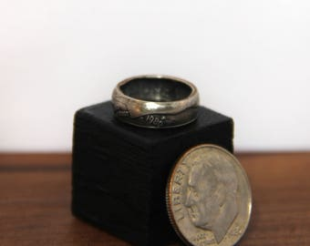 KEEPSAKE Birth Year Dime Rings with pouch