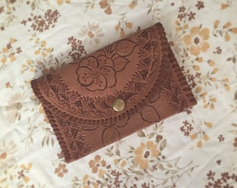 Vintage floral tooled leather wallet/purse