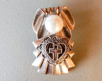 Silver plated Angel Pin/Pendant w/Heart & Cross Accent
