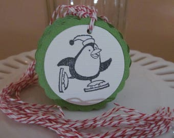 Christmas Penguin on skates tags - green - set of 10 - perfect for gift tags, holiday parties, classroom treats, etc.!