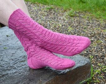 Plumtree Socks Knitting Pattern PDF