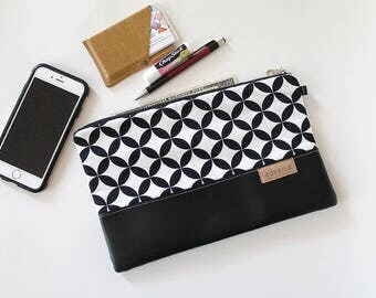 Zipper Clutch, Vegan leather, Kindle, ipad device padded sleeve, metal zip pouch, bag, Diaper wipes holder, makeup organizer Black, white