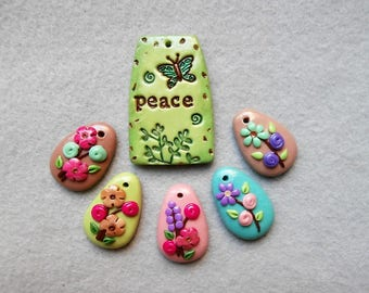 Garden Flower Charms/Peace Word Charm - Peace in the Garden