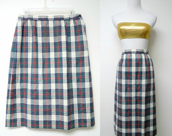 """Country Sophisticates Petite by Pendleton . 70s plaid skirt .  size 14 petite . waist 29.5"""" . made in USA"""
